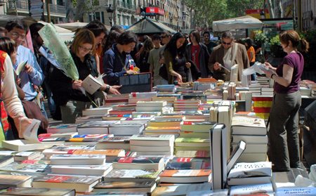 Diada_de_Sant_Jordi_de_2007_Rambles_Barcelona
